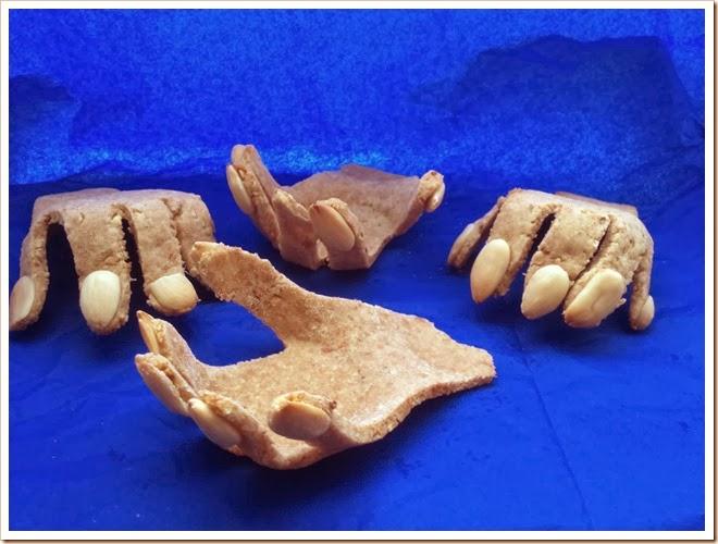 http://www.mammarum.com/2012/10/ricette-di-halloween-per-bambini-le.html