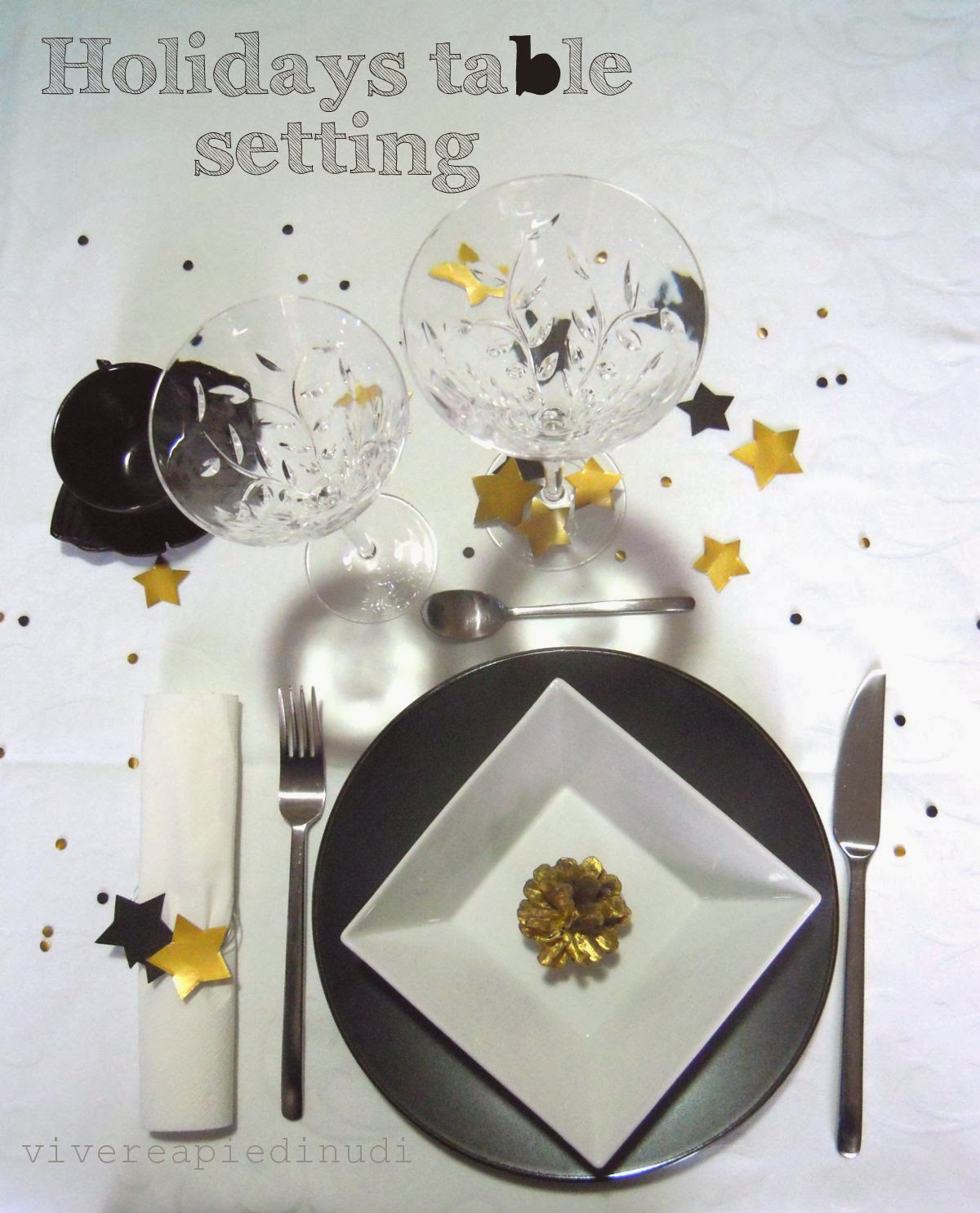 http://mammarum.com/2013/12/holidays-table-setting-semplice-diy-per.html