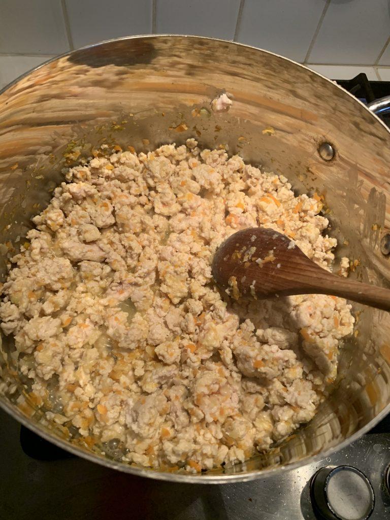 Procedimento per preparare il ragù di pollo
