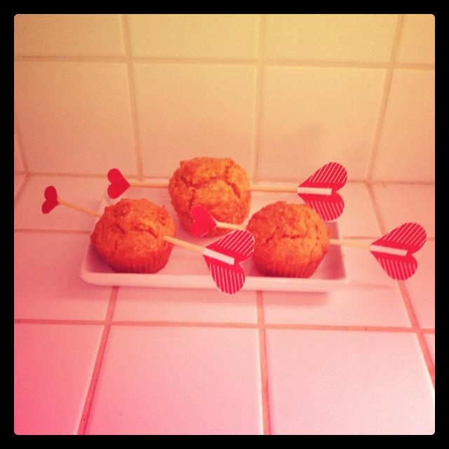 Muffin carote e nocciola senza zucchero ma con cupido!
