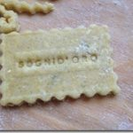 Posizione ad H (ma non cercatela nel Kamasutra) e biscotti alla camomilla
