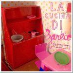 Giochi fai da te con il cartone: la cucina di Barbie